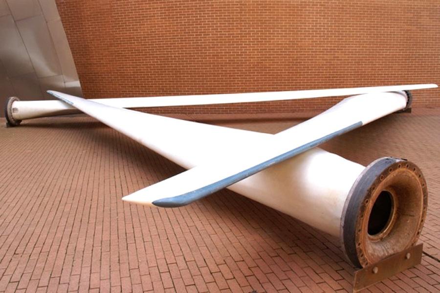 """Foto von Césare Peerens Rotorenblätterinstallation """"Blade made furniture"""""""