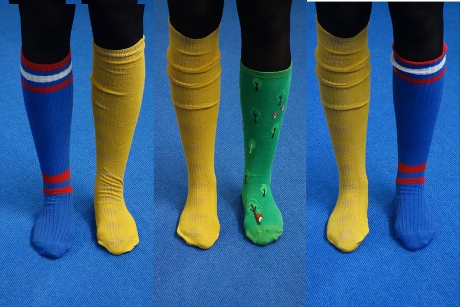Abbildung mehrerer nicht zusammenpassender Socken