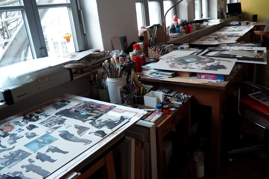 Arbeitsplatz des Künstlerkollektivs Artists Unlimited