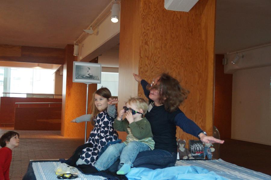 "Kindermuseum OWL ""fliegt"" durch die Marta-Lobby"