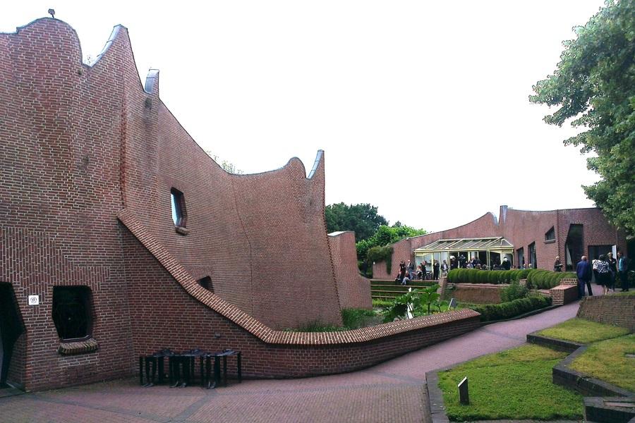 Das Kunstmuseum in Groningen mit seiner außergewöhnlichen Architektur